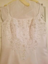 Wedding dress worn once and cleaned League City, 77573