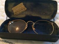 Eyeglasses (as pictured) with hard shell case, doctors plaque, and original cleaning cloth Wheelersburg, 45694