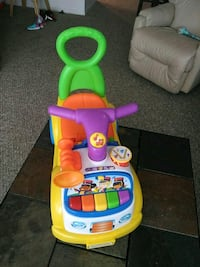 toddler's yellow and red ride on toy Sanford, 32773