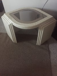 Beautiful coffee table with 2 side tables Edmonton, T5A 1X4