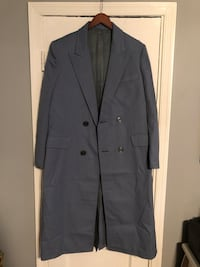 Men's blue coat size Large in great condition. Washington, 20002