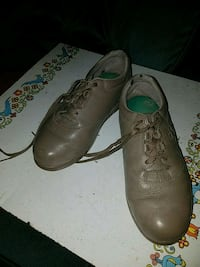 pair of orthopedic size 8W shoes, almost new Indianola, 50125