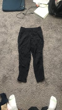Lululemon Semi-Cropped Pants