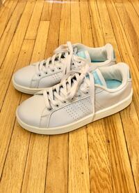 Women Adidas Cloudfoam Sneakers (US Size 7.5)