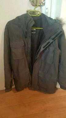 Manteau d'hiver North Face. En excellent état. Size M /L