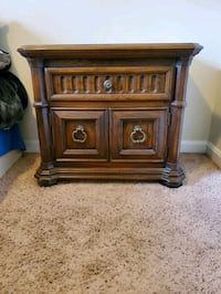 2 Antique Nightstands Stafford Courthouse, 22554