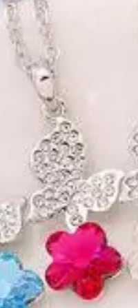 New Fashion Women's Flower Hot Pink Crystal Rhinestone Silver Pendant necklace $10 Pensacola, 32506