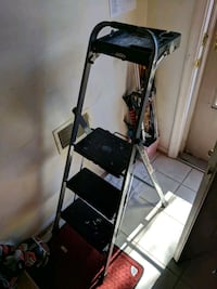 3 three step ladder with holder West Springfield, 22152