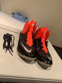 Pair of black-and-red nike basketball shoes Toronto, M3M 2S1