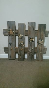 brown floral print wood pallet wall decor