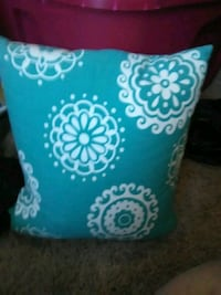blue and white floral throw pillow Chattanooga, 37421