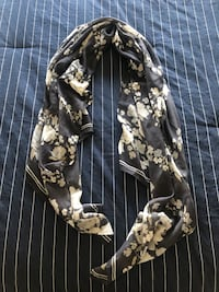 NEW OLD NAVY Spring Scarf Markham, L3R