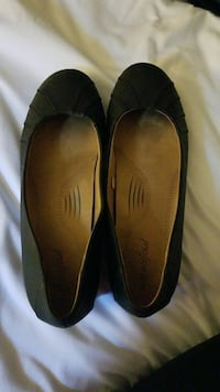 pair of black flats Olympia, 98501