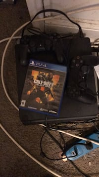 ps4  two controller and new black opp Capitol Heights, 20743