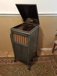 Empty Phonograph Cabinet  Perry Hall, 21128