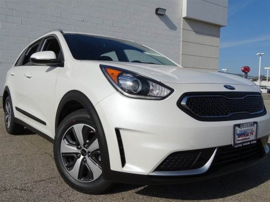 used 2017 kia niro lx in libertyville. Black Bedroom Furniture Sets. Home Design Ideas
