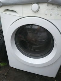 white front-load clothes washer Herndon, 20171