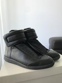 MM6 all leather high top sneakers size 40 Toronto, M4P 2K5