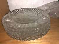 7 large scalloped edge clear glass plate set Anchorage, 99503