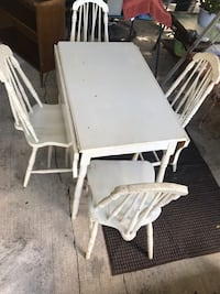 Antique Table/ chairs Winter Haven, 33880