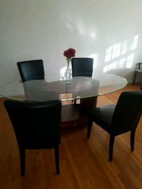 Modern Style Dining Set in excellent condition!  Fairfax, 22031