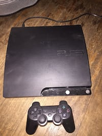 PS3 slim 500 GB Hard Drive / 1 controller / 8 games/ item has been cleaned in the inside . Don't have 120? Make offer who knows. Pick up only cash only Lower East Side. Item located on 11 street almost Ave A. New York, 10009