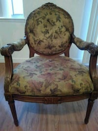 chair, beautiful antique style. Downey, 90240