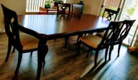 French victorian.cherry table with six chairs din Beaumont, 92223