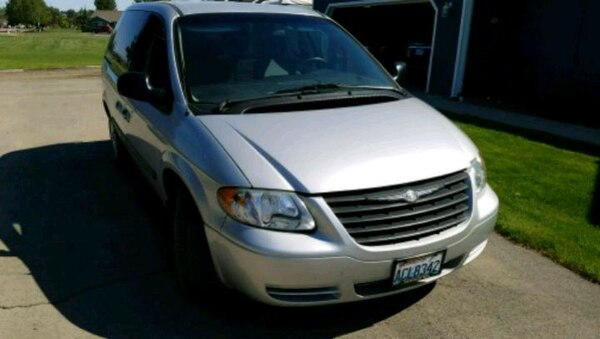 Used Chrysler Town And Country 2006 For Sale In Yakima
