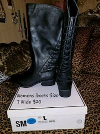 Womens Boots Size 7 Wide Foot  Charles Town, 25414