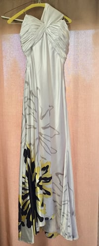 *RENT ONLY* Women's Floral Dress Size 2 Pittsburgh, 15220