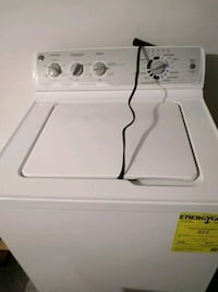 white top-load clothes washer Reedsburg, 53959