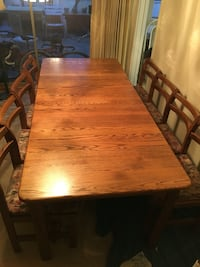 Oak dinning room table and buffet set Vancouver, V5M 2Z2