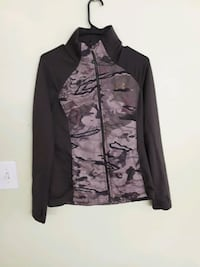 womens camo underarmour jacket size small 30$ Anchorage, 99503