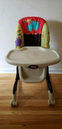 Fisher Price Luv U Zoo High Chair  Teaneck, 07666