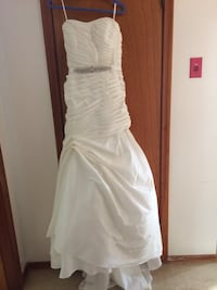 Women's white strapless wedding dress Waterloo, N2L 1W3