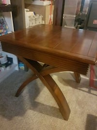 Coffee table with 2  matching side tables Kitchener, N2H 4J6