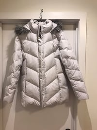 Women's down filled coat size M Hamilton, L8J 0H8