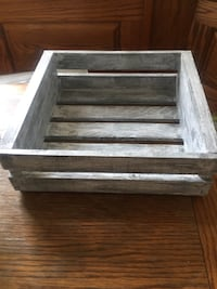 Farm style crate with handles Bakersfield, 93308