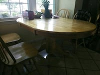 Dining table with 3 chairs Gaithersburg, 20877