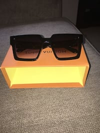 Louis Vuitton Sunglasses  Bowie