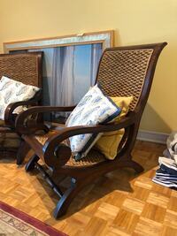 Set of 2 beautiful wood chairs Montréal, H4G