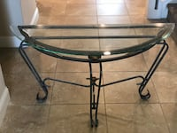 Iron glass table. Great condition! Bakersfield, 93311