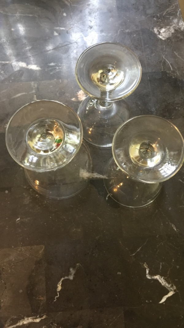 This is only a few crystal wine glasses. 4b0f725a-c693-4744-8f61-a77632043a1a