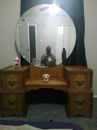 brown wooden vanity table with mirror Houston, 77035