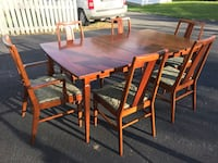 Dining table and six chairs Ashburn, 20147