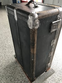 Antique steamer trunk/wardrobe Bowie, 20716
