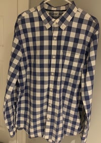 Old Navy classic shirt  slim fit size XL