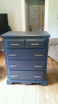 Newly refinished chest of drawers. Winterville, 30683