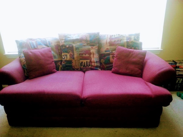 Couch & Love Seat Set usati in vendita a Conyers - letgo